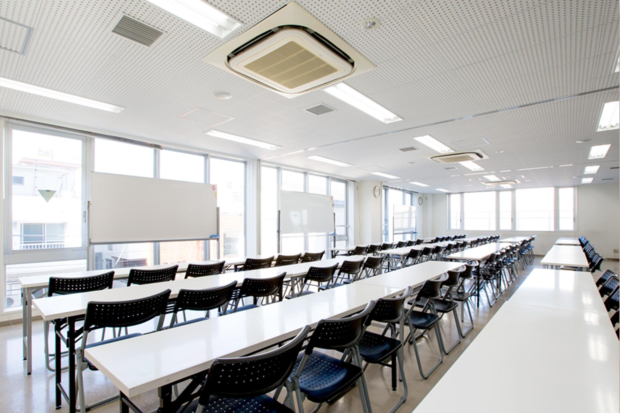 新宿(新大久保)90~100名収容できる大会議室です
